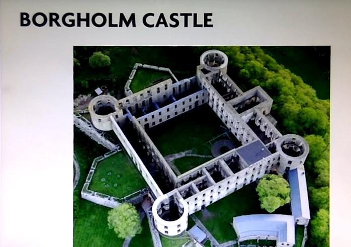 Le symbole était en fait très utilisé en Suède dans la signalétique à cause de ce chateau.